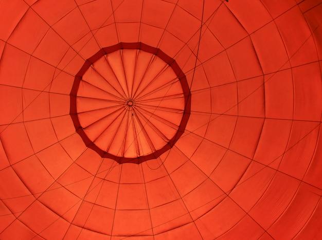 Воздушный шар с голубым небом