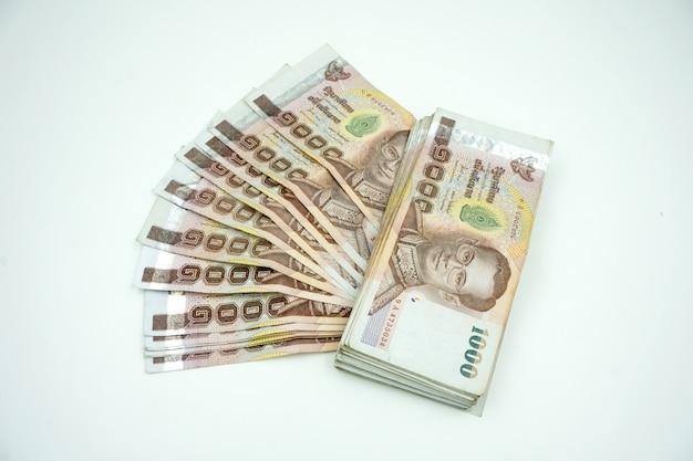 Куча тайских денег