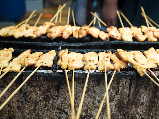 Тост из свинины с бамбуковой вставкой