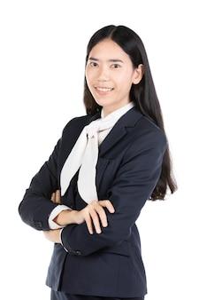 フォーマルな服装で肯定的な表現で幸せな若い女。