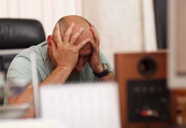 仕事や頭痛の問題