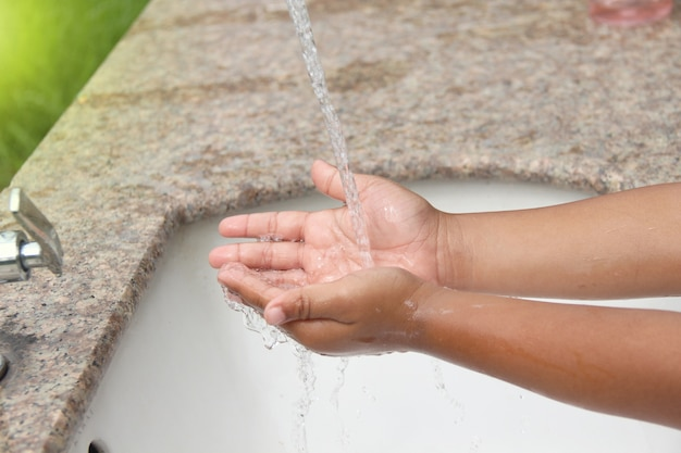 Руки для мытья рук