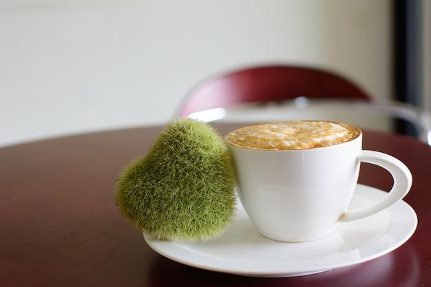 ラッペアートでのカプチーノのホットコーヒー。