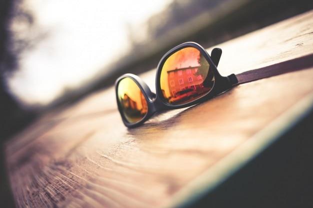 ミラーリングされたサングラス