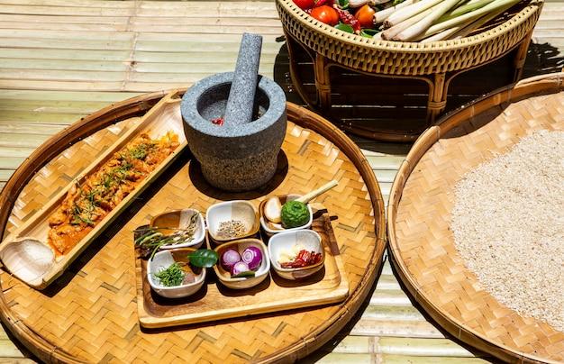 タイ料理の準備赤カレー