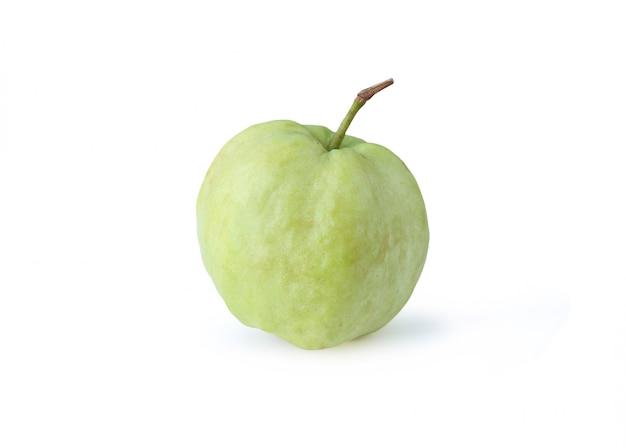 新鮮なグァバ果実は、白い背景で隔離された。