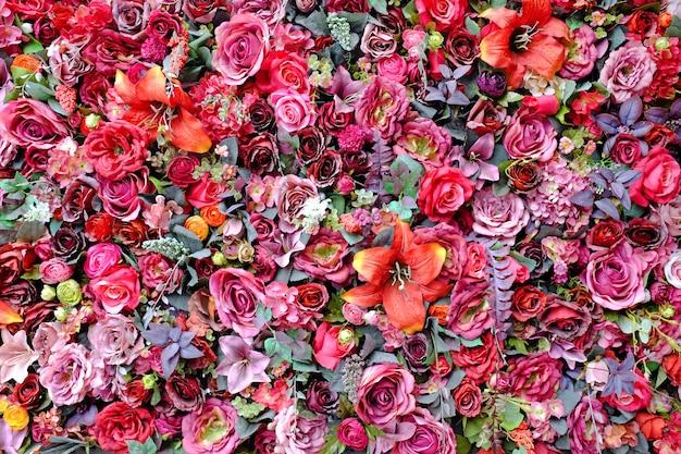 装飾的なカラフルな花の壁の背景