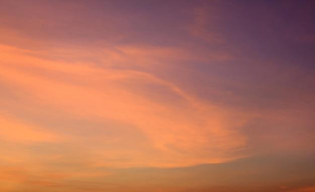 抽象的なオレンジ色の夕焼け空