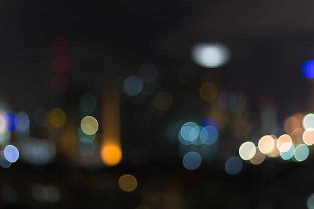 交通渋滞中に照明をぼかしの抽象的な背景