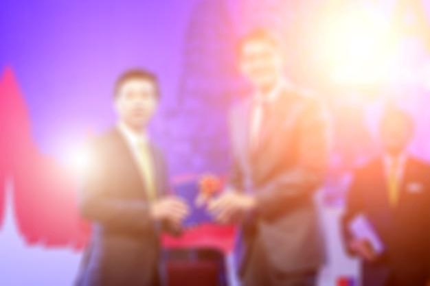 授賞式のテーマクリエイティブに焦点を合わせる。ビジネスコンセプトの背景