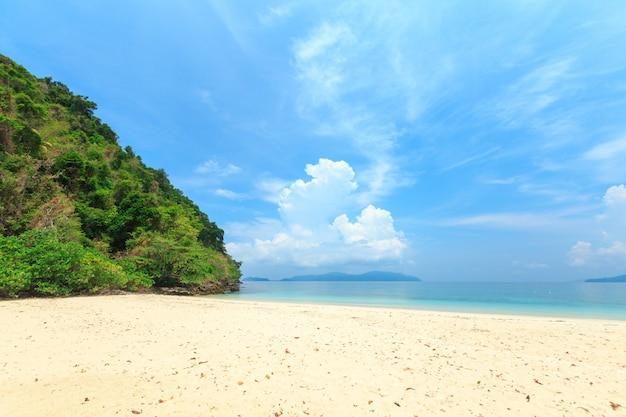 ブルア島、ミャンマーの南からの素晴らしい島。