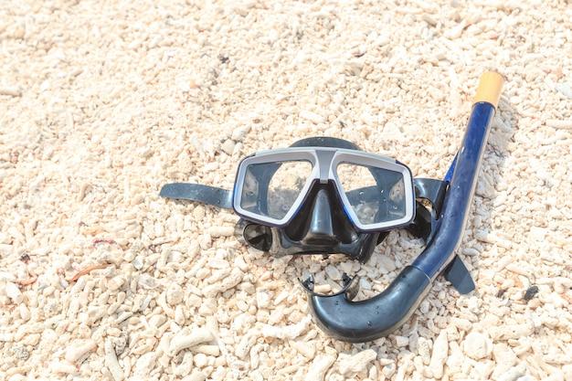 ダイビングマスクとシュノーケル、シュノーケリング