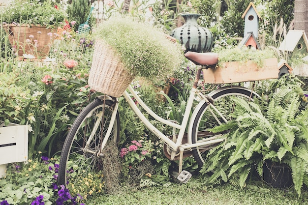 自転車を花します。