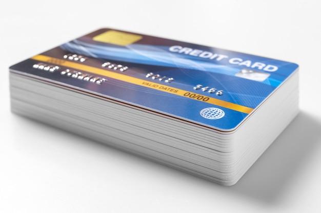 白のクレジットカードのモックアップ