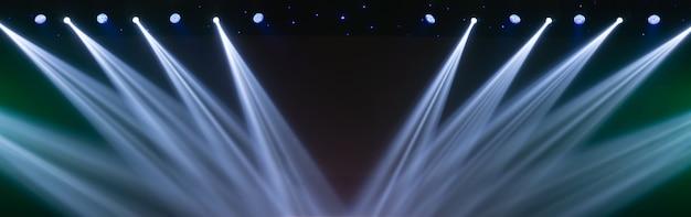 コンサートホールのコンサート照明
