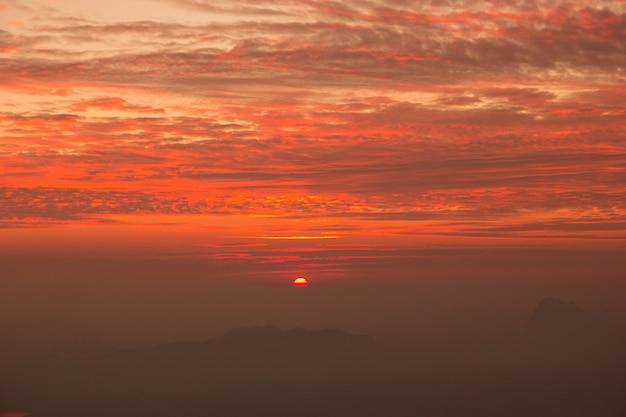 プークラドゥエン国立公園、ルーイ県、タイ