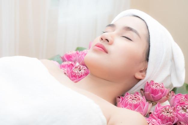 Лечение в спа-салоне красоты