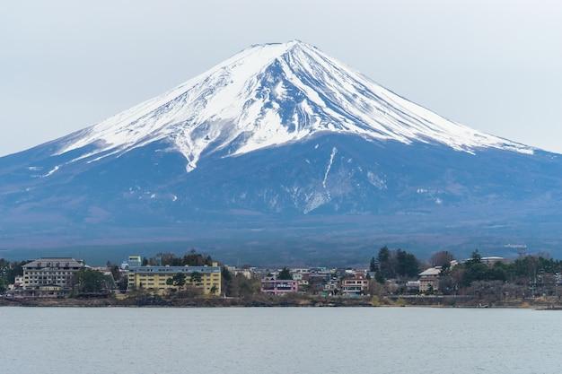 Гора фудзи зимой