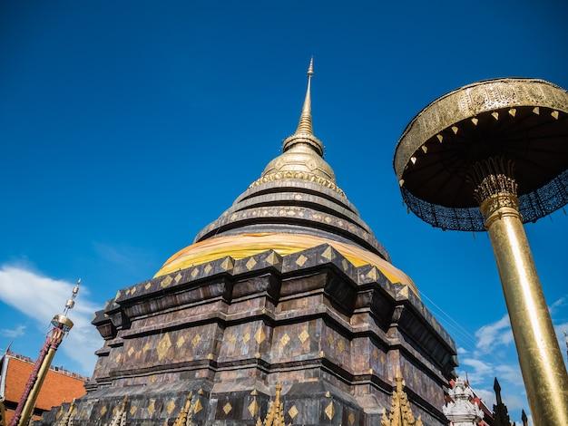 Ват пратхат лампанг луанг в лампанге таиланд, тайский храм