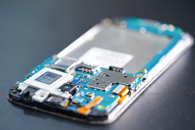 スマートフォン電子技術のマイクロ回路メインボード。