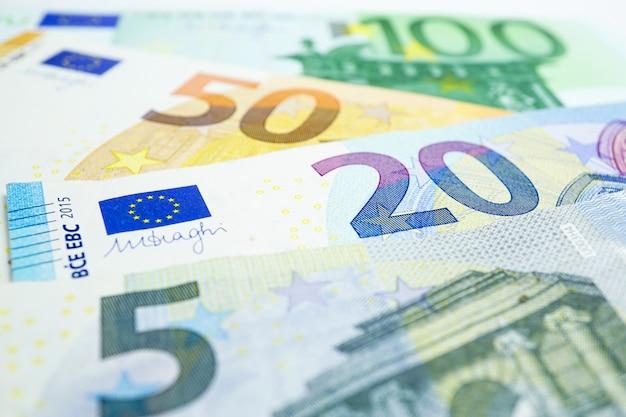 ユーロ紙幣の背景:銀行口座、投資分析研究データ。