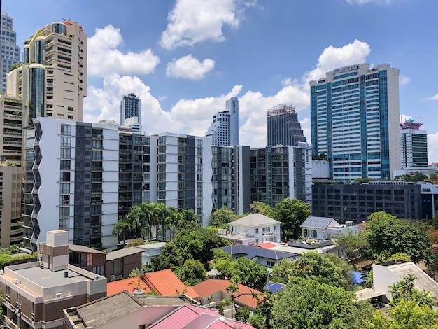 Вид квартиры и офисного здания в бангкоке