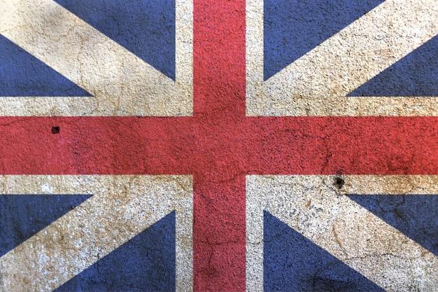 白い壁にユニオンジャックの旗