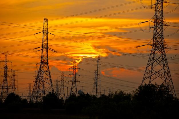 発電所の高強度電柱
