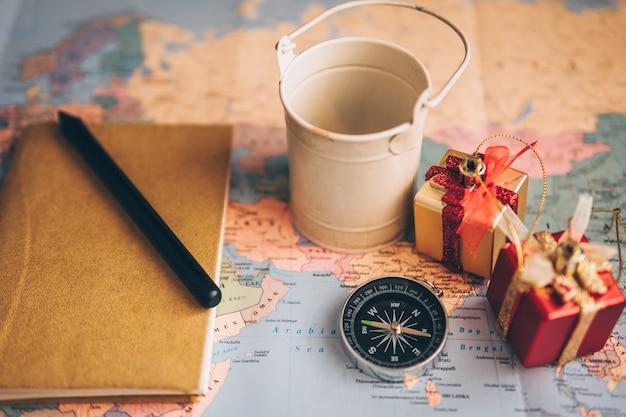 プランナーは旅行のためのリストを行う