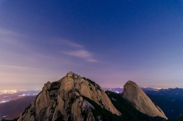 北漢山。ソウル市、韓国