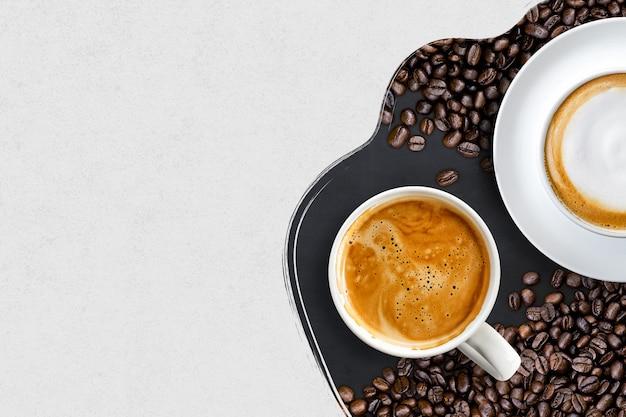 Чашки кофе и кофейные зерна