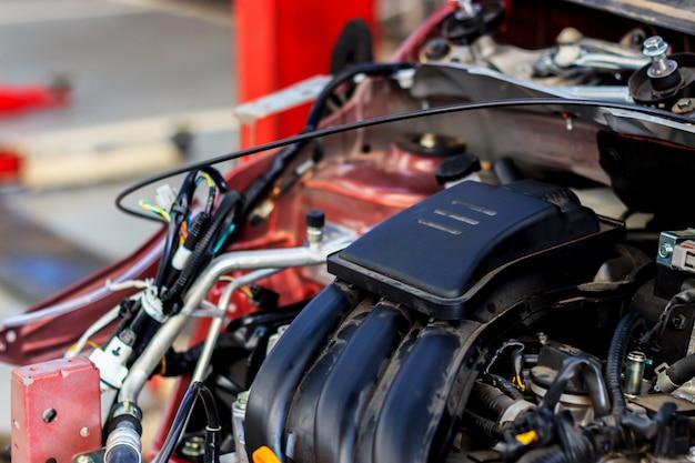 自動車エンジンの詳細な詳細