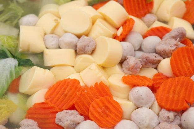 豆腐とひき肉のスープ