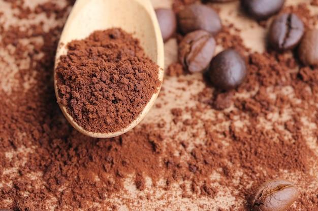 豆とインスタントコーヒー
