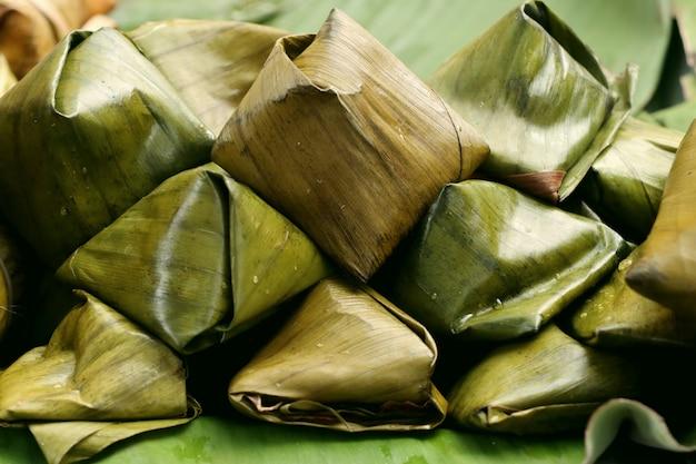 Тесто в банановых листьях