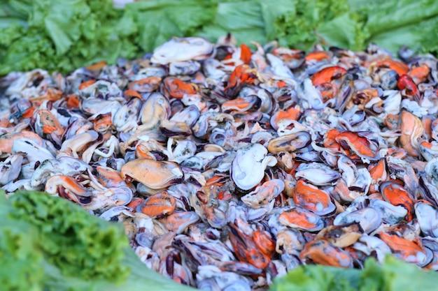 ムール貝のカリカリ揚げ卵