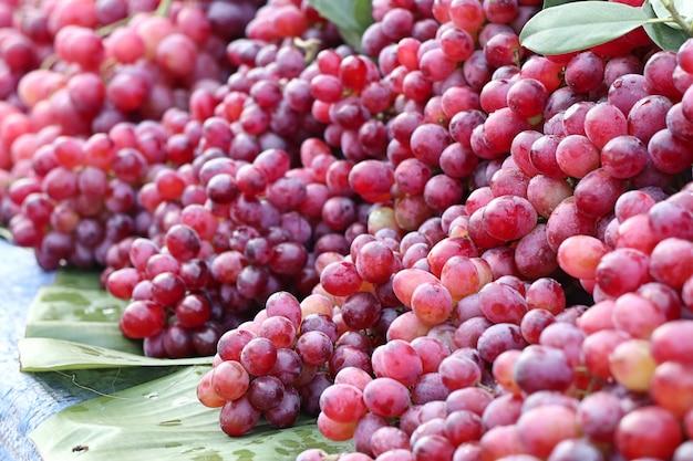 Виноград на уличной еде