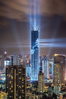 Бангкок, тайланд. бангкок рост башни маханах