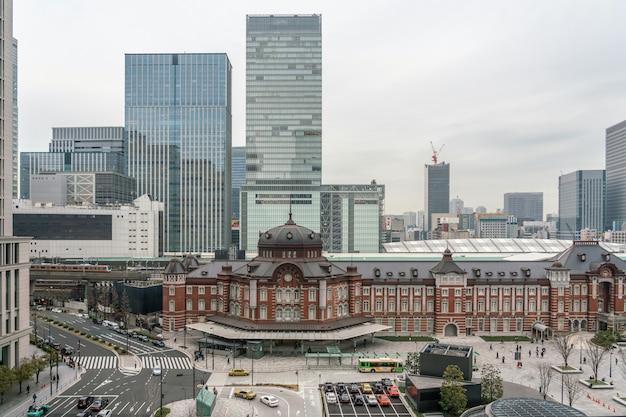 午後のテラスからの東京駅の景観、建築