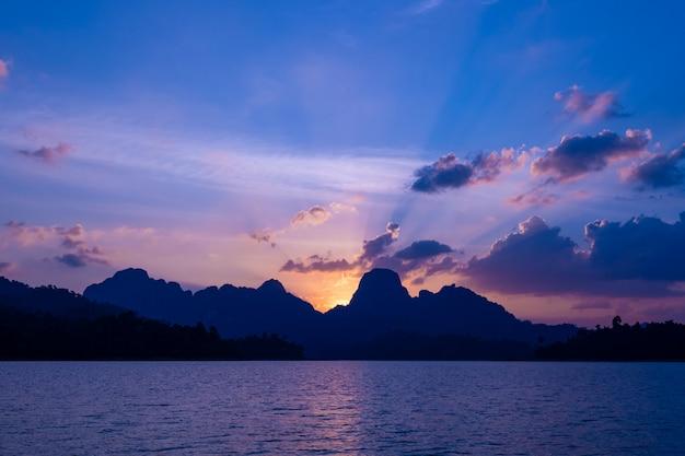 ラチャプラパダムの夕日