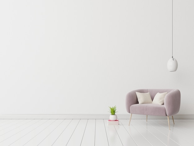 Интерьер с бархатным креслом на пустой белой стене.