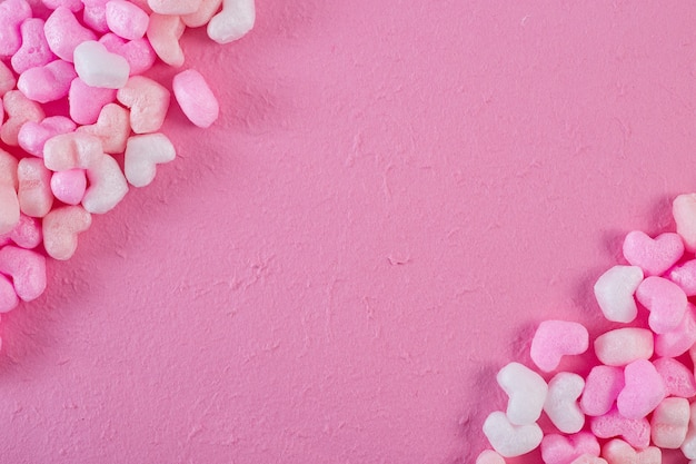 ピンクの泡心ピンクの紙の背景