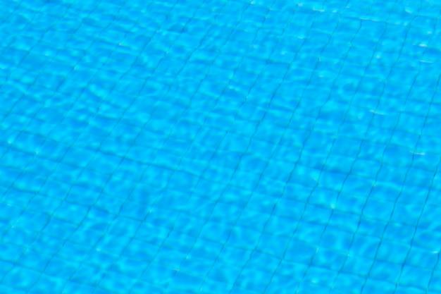 プールの背景に水