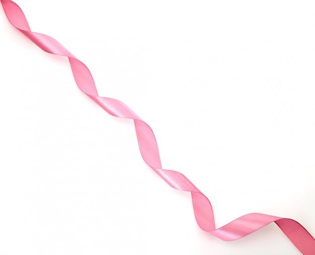 白地にピンクのリボンをカール