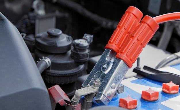 ジャンパーによる電気自動車充電器