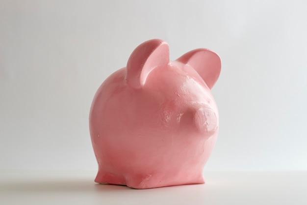 白地にピンクの貯金