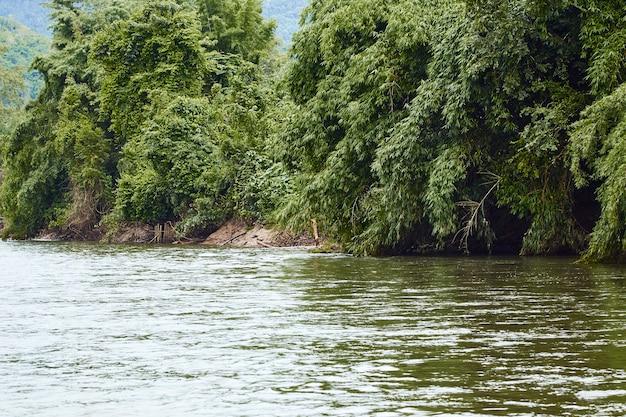 Путешествие по реке канчанабури квай яй