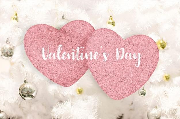 С днем святого валентина и сладким днем концепция, розовые сердца