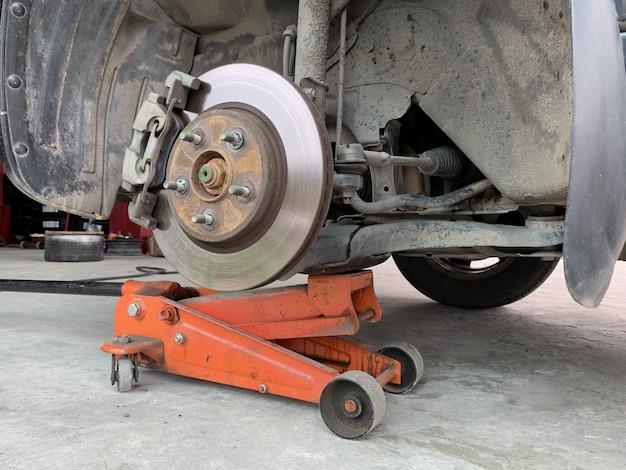 車のブレーキの修理
