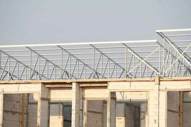 Алюминиевая конструкция крыши, конструкция здания